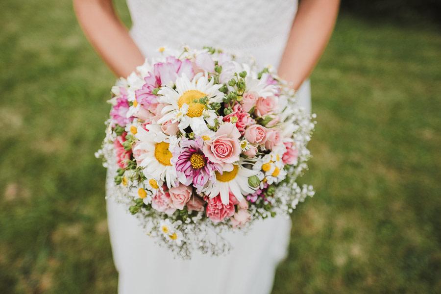 Brautstrauß natürliche Hochzeit