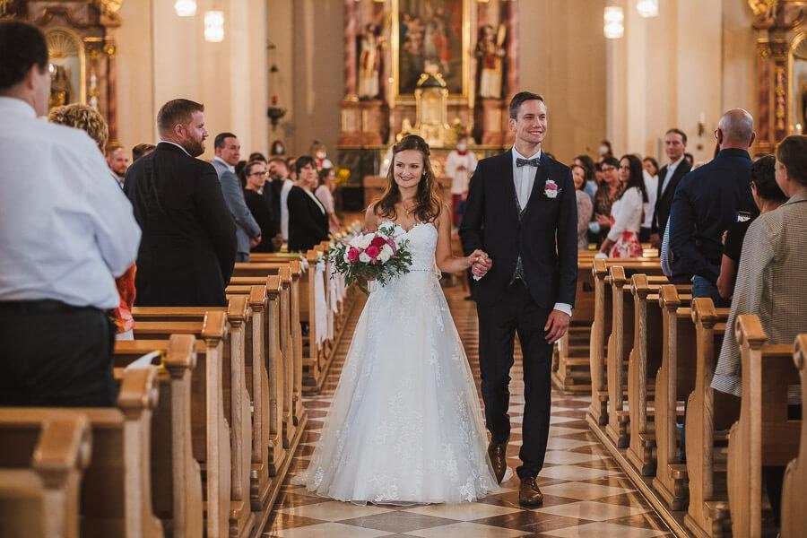 auszug aus kirche st nikolaus hainburg