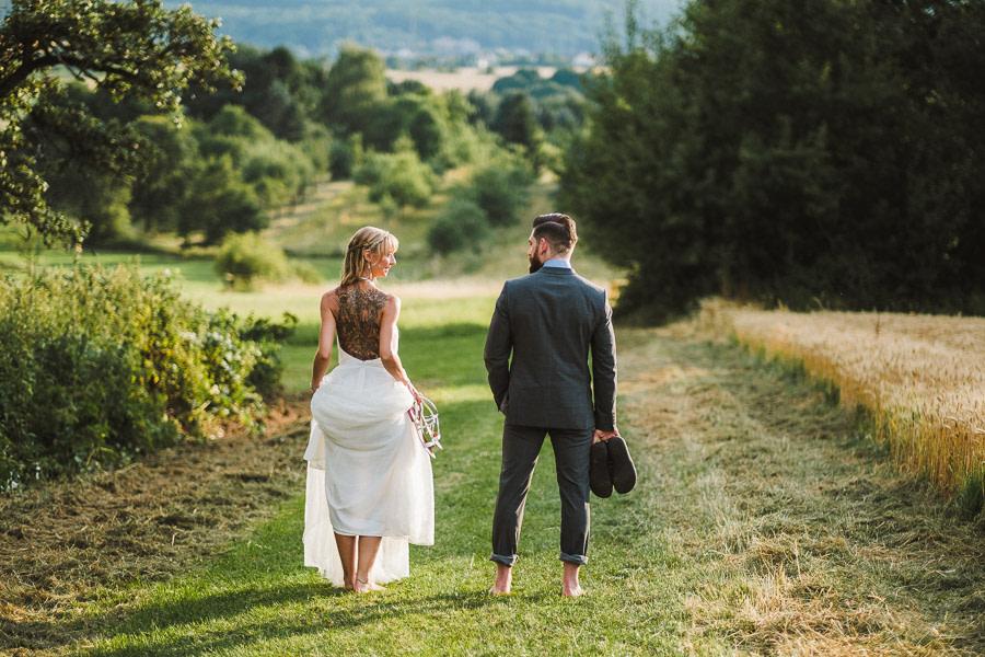 Brautpaar in der natur mag Paleo