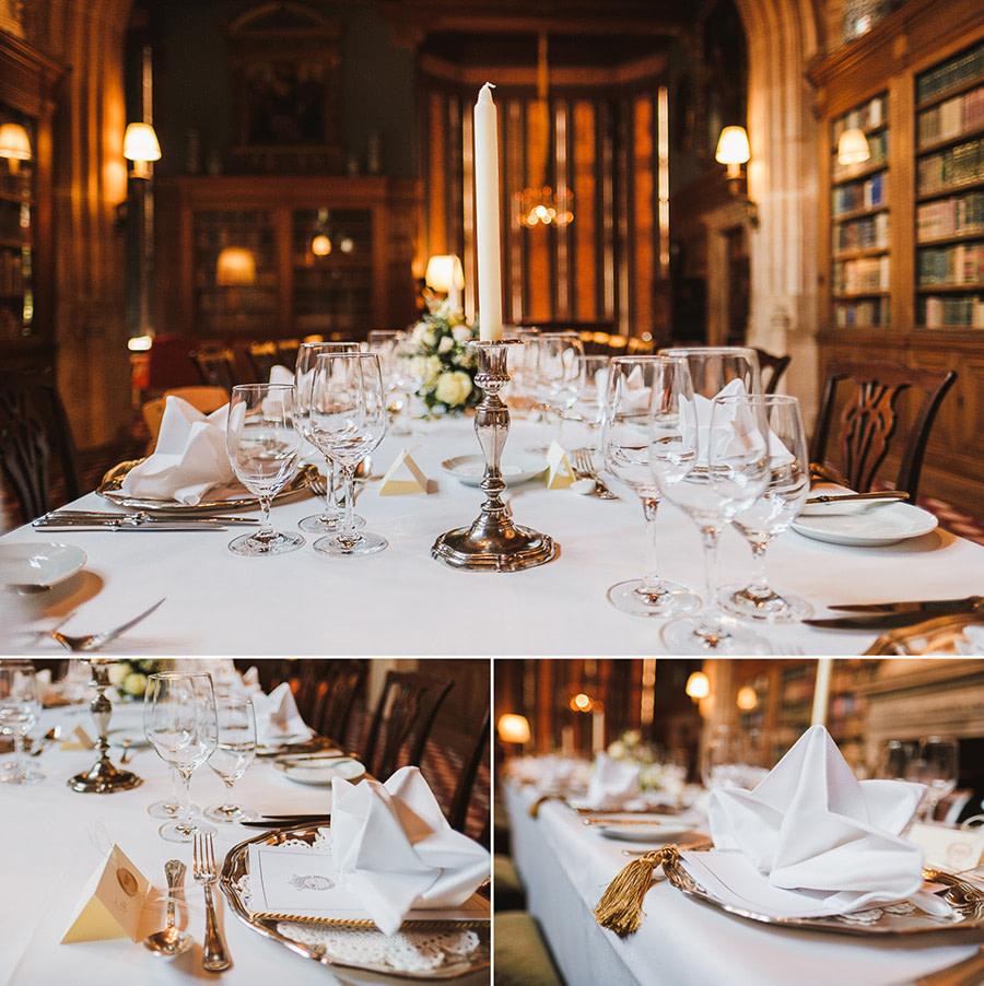 abendliche tischdekoration in der Bibliothek von Schloss Kronberg