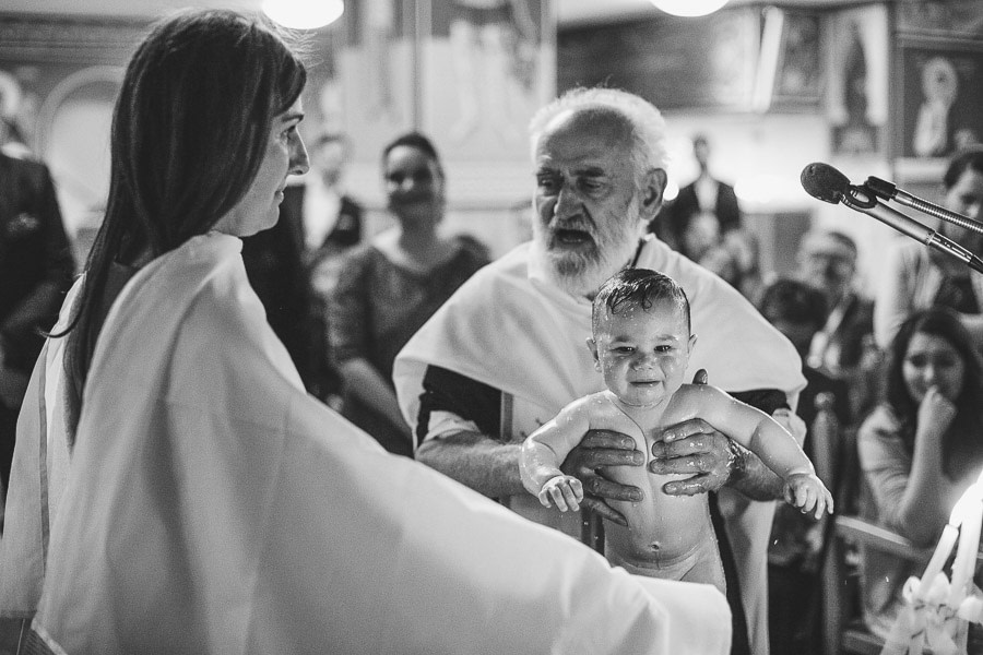 Taufe in der griechischen Kirche in Düsseldorf