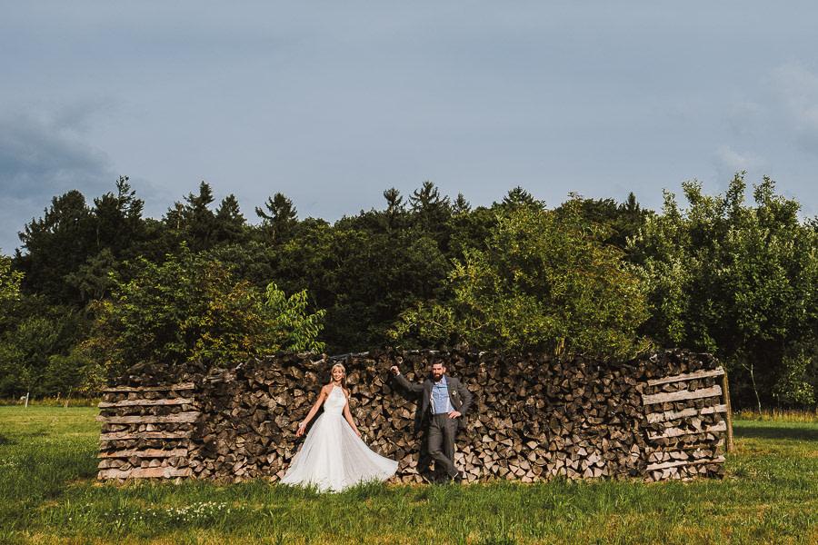 Brautpaar und viel Hol