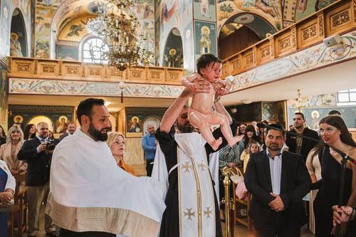 fotograf für orthodoxe taufe baby hoch