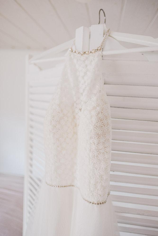 Ein zartes Hochzeitskleid für zarte Bräute