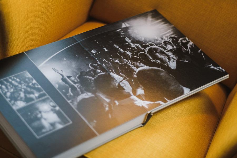 Hochzeitsbuch geöffnet Party in SW