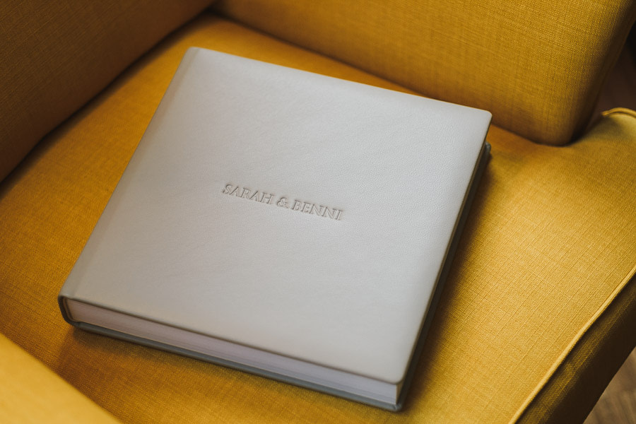 Hochwertiges Fotobuch aus Leder für eine Hochzeit
