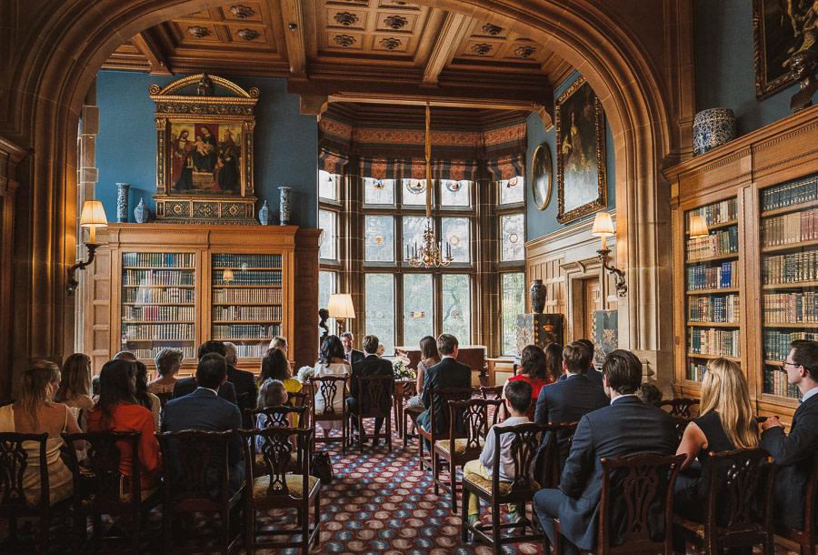 Die Bibliothek von Schloss Kronberg als eine der besten Hochzeitslocations